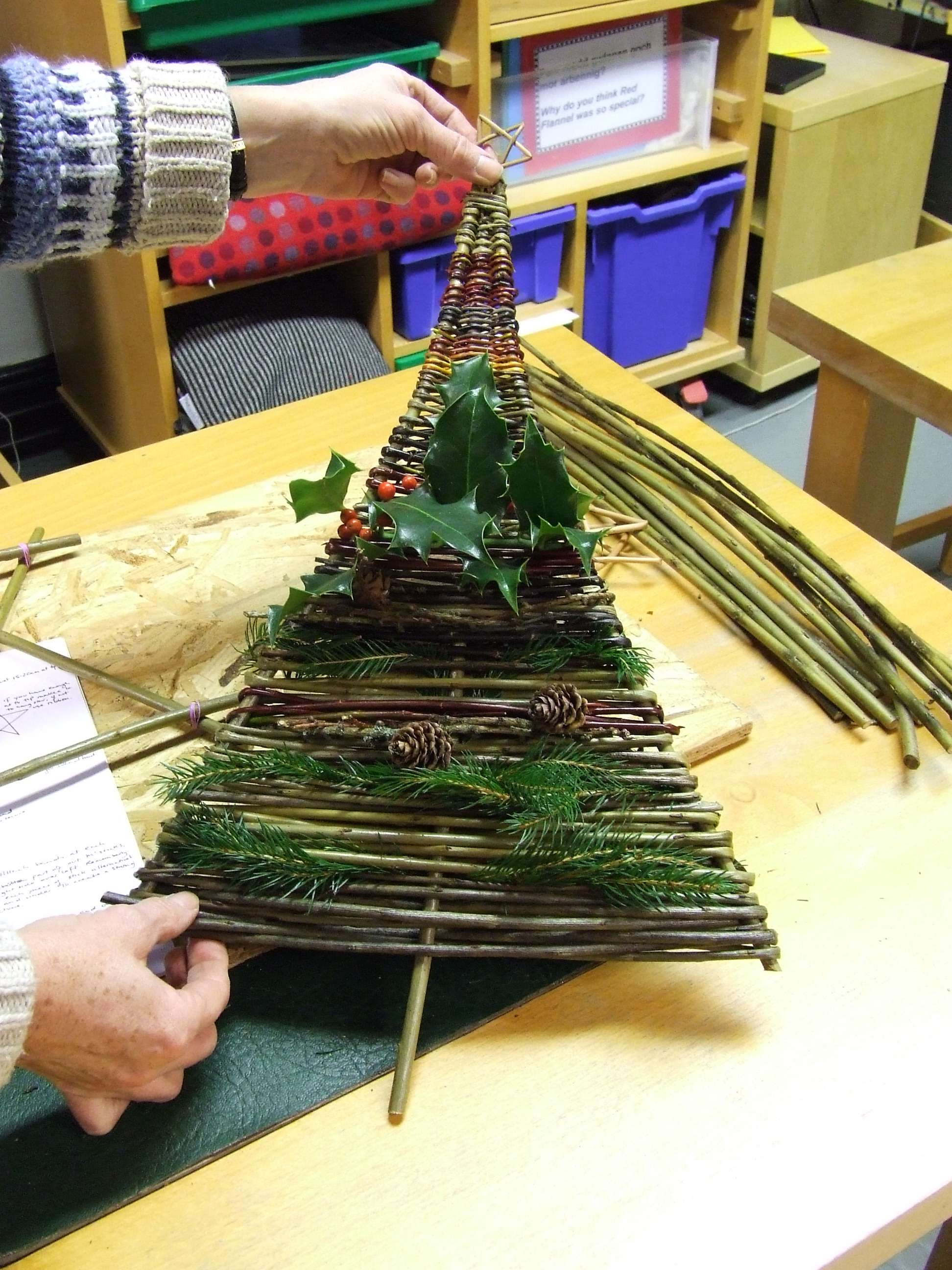 Make Natural Willow Decorations